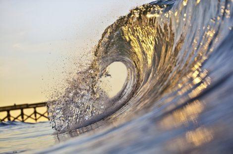 Folding Gold Wave