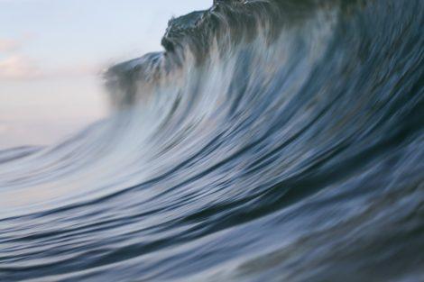 water blur surf art